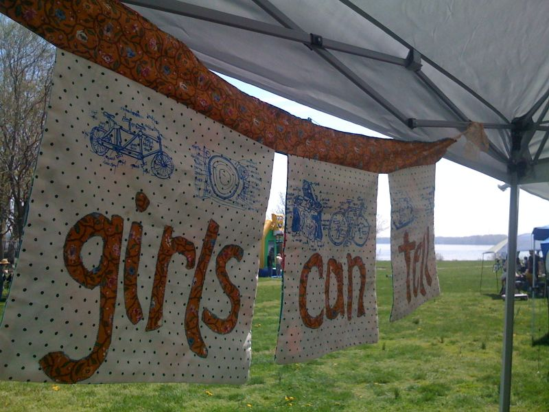 girlscantell craft show banner